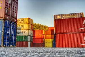 container-3754438__340