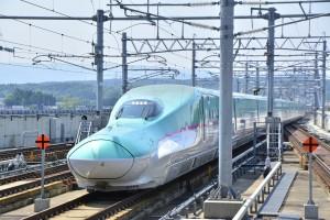 shinkansen-2504783_1280